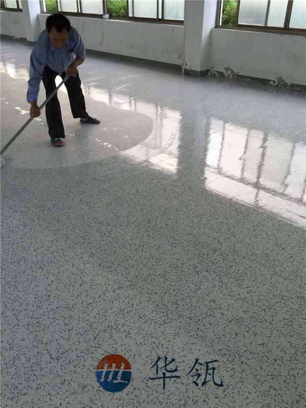 直铺PVC面防静电地板现场