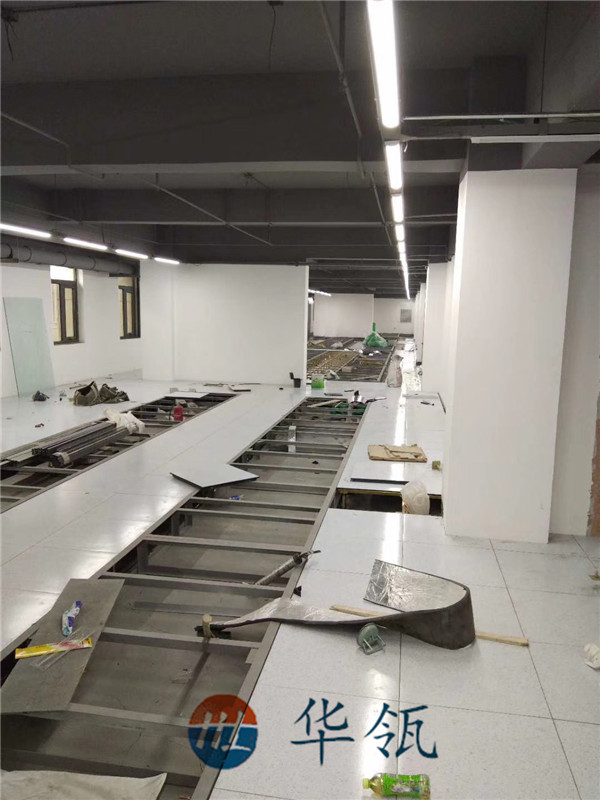 无边防静电板地板铺装